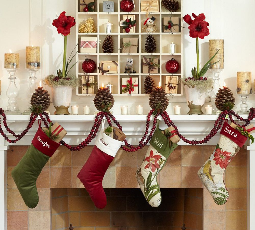 Holiday decorating ideas 2010 home office decoration for Home decorations for christmas