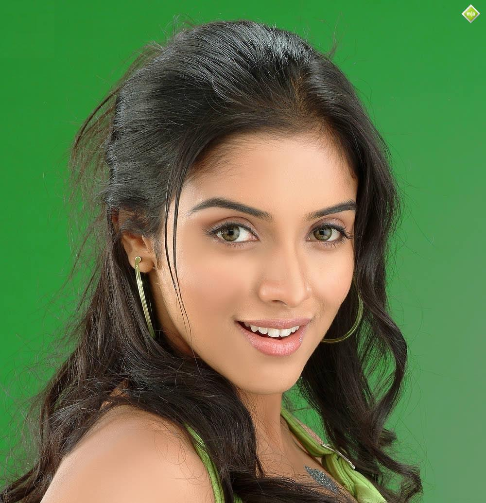 collections celebrity: southern beauty actress asin next hindi film