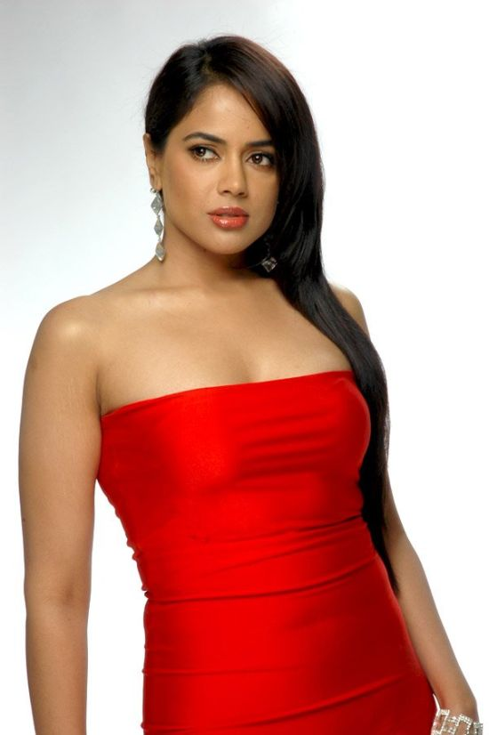 Sameera Reddy in Red Saree, Bridal Sarees Collection and Red Dresses Online