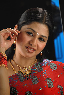 About Kollywood Film Dhanam Movie and Actress Sangeetha Gallery