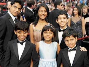 Slumdog Millionaire kids are under a spotlight - Having Good opportunity
