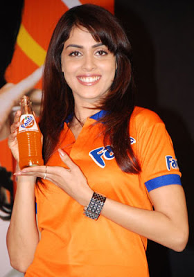 Fanta Brand Ambassador Genelia D'Souza at the Fanta competition meet their star in Chennai