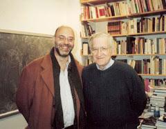 Juan Pablo Neyret junto a Noam Chomsky