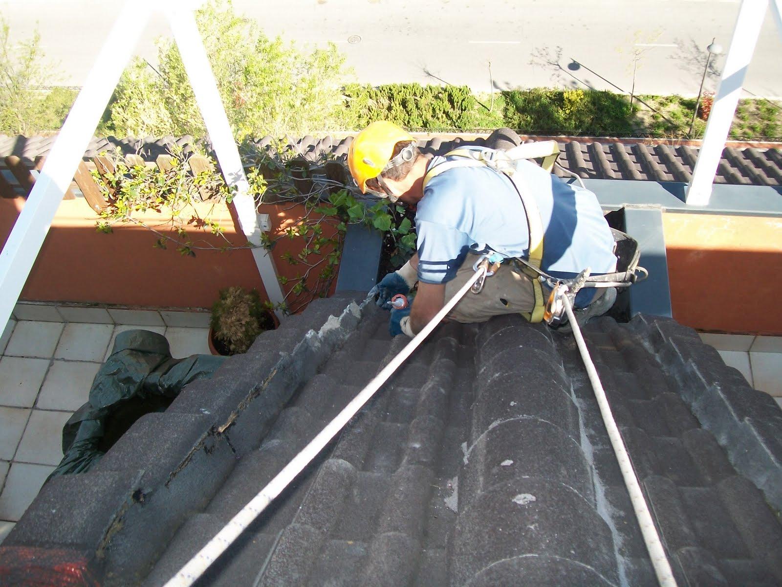Trabajos que realizamos en bajantes y canalones hormig n for Tejados prefabricados