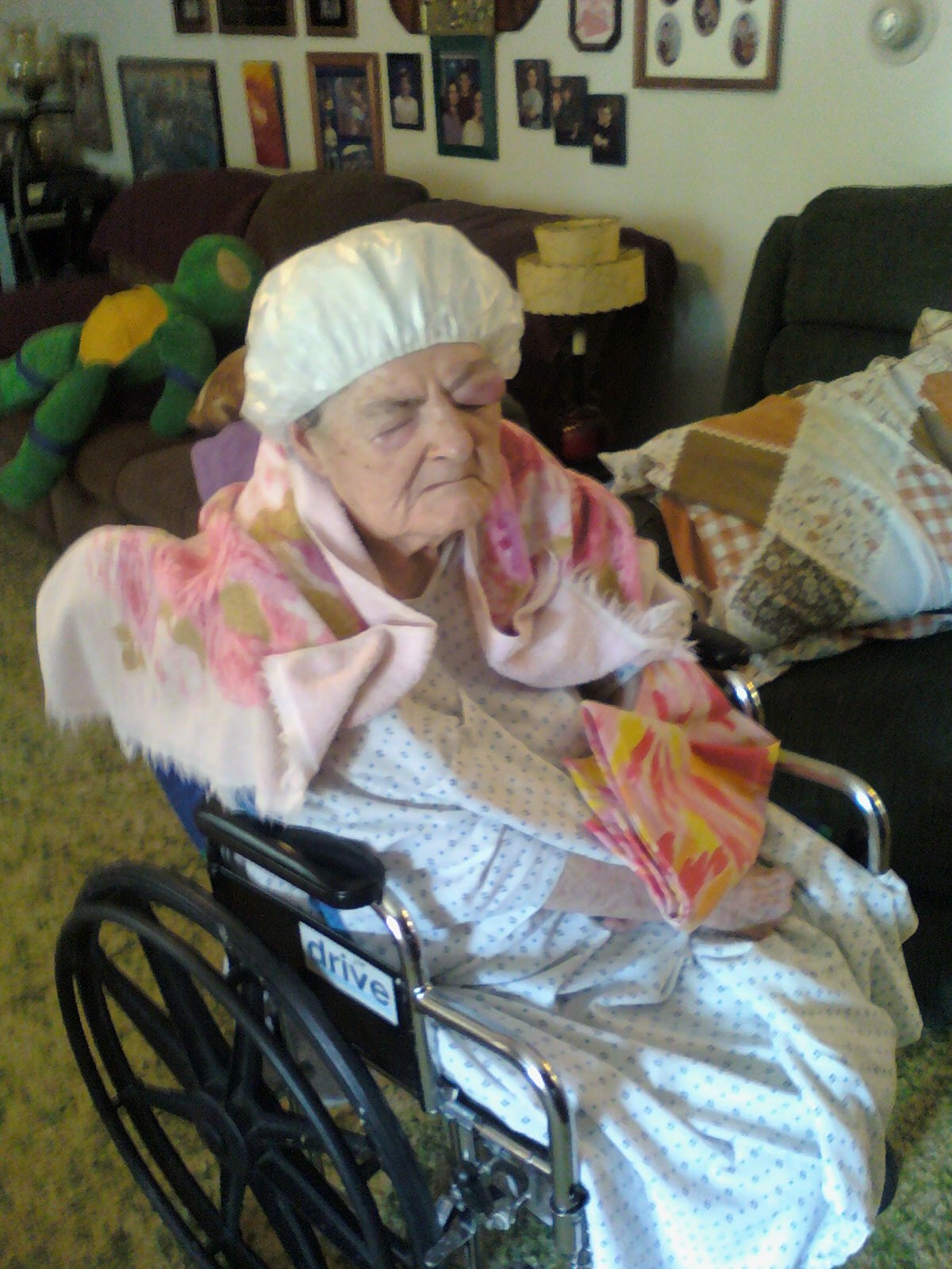 momme and alzheimers blog shampoo cap