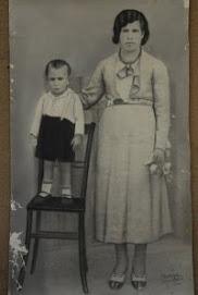 Jerónima Blanco y su hijo Fernando, de cuatro años.