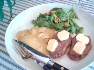 Biff med vitlökssmör och potatiskaka