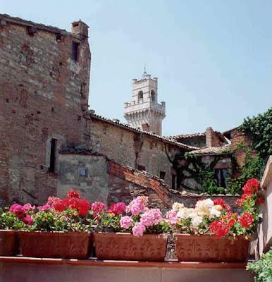 Italy montepulciano for Meuble il riccio