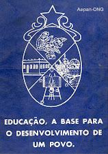 Livro editado pela Secretaria Municipal da Educaçlão