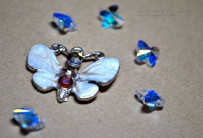Jaypee David Photography, Macro Shots, enjayneer, JAYtography, Nikon D3000 DSLR Sample Test Shots, Swarovski Butterfly Beads from Wellmanson Quiapo