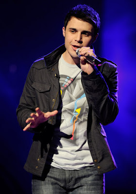 Kris Allen Wins American Idol Season 8, american idol season 8, adam lambert, american idol finale, hollywood, bohemian rhapsody, queen, los angeles california, kris allen, arkansas, american idol winner, american idol finals night, nokia theatre, jason mraz influence, missionary
