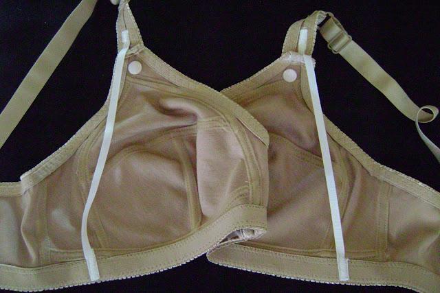 empty bras,open bras,bra pics
