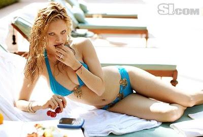 Julie Ordon Foto En Swimsuit