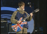 Noel Gallagher con la guitarra de la Unión