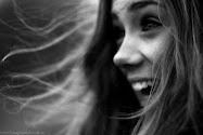 Sonríe aunque quieras llorar.
