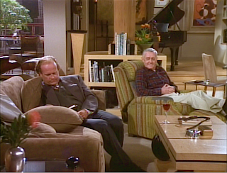 Martin interrupts Frasier's reading