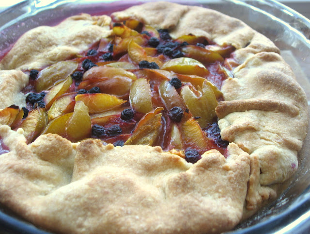 Сливовый пирог на кефире рецепт с фото