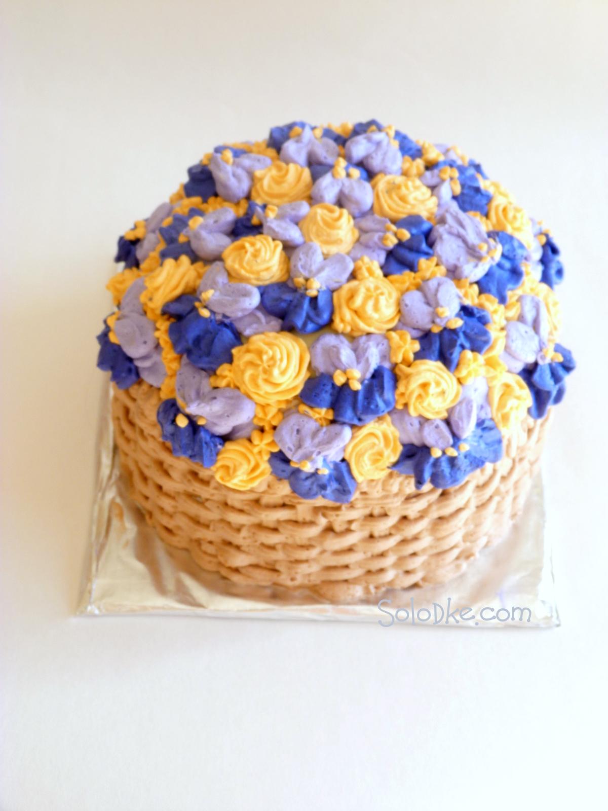Корзина с цветами из масляного крема