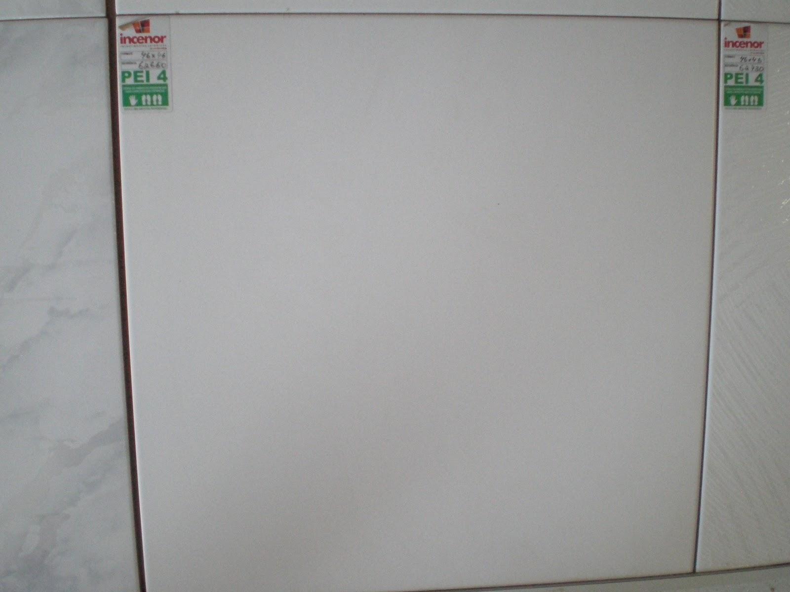 Essa e a ceramica do chao do banheiro social branco fosco bjs. #3B6348 1600x1200 Banheiro Branco Fosco