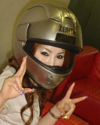 ヘルメットお姉さん 安全帽大姐 自High搞笑