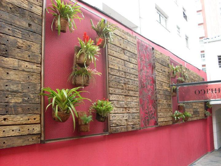 jardim vertical no muro : jardim vertical no muro:Verde Jardim: Jardim vertical com painéis