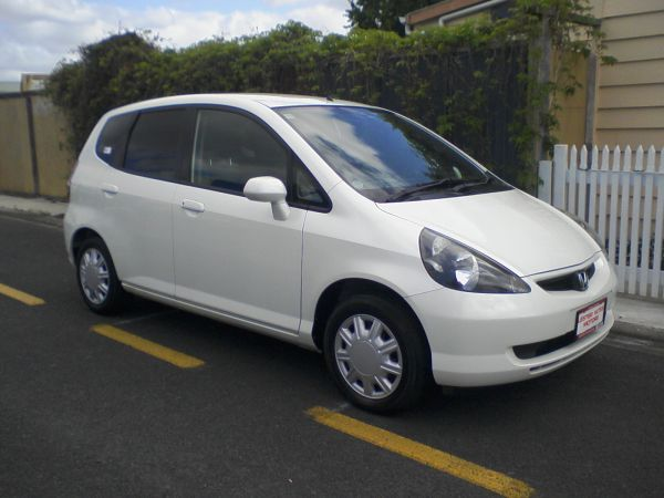 HONDA Jazz Fit 2003 model! Details: 5 Door Hatchback, 1.3L, CVT Automatic,
