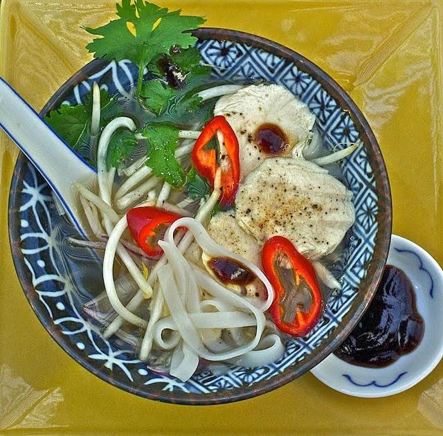 Javaholic: Wha tha pho? Pho Ga--Vietnamese Chicken Noodle Soup