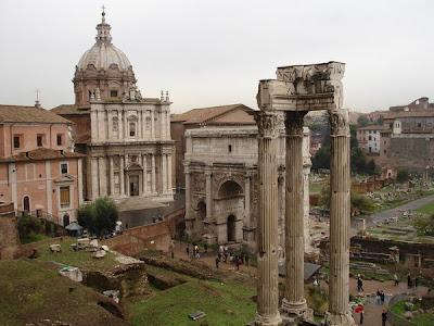 Santos Lucas y Martina, Arco de Septimio y Templo de Vespasiano