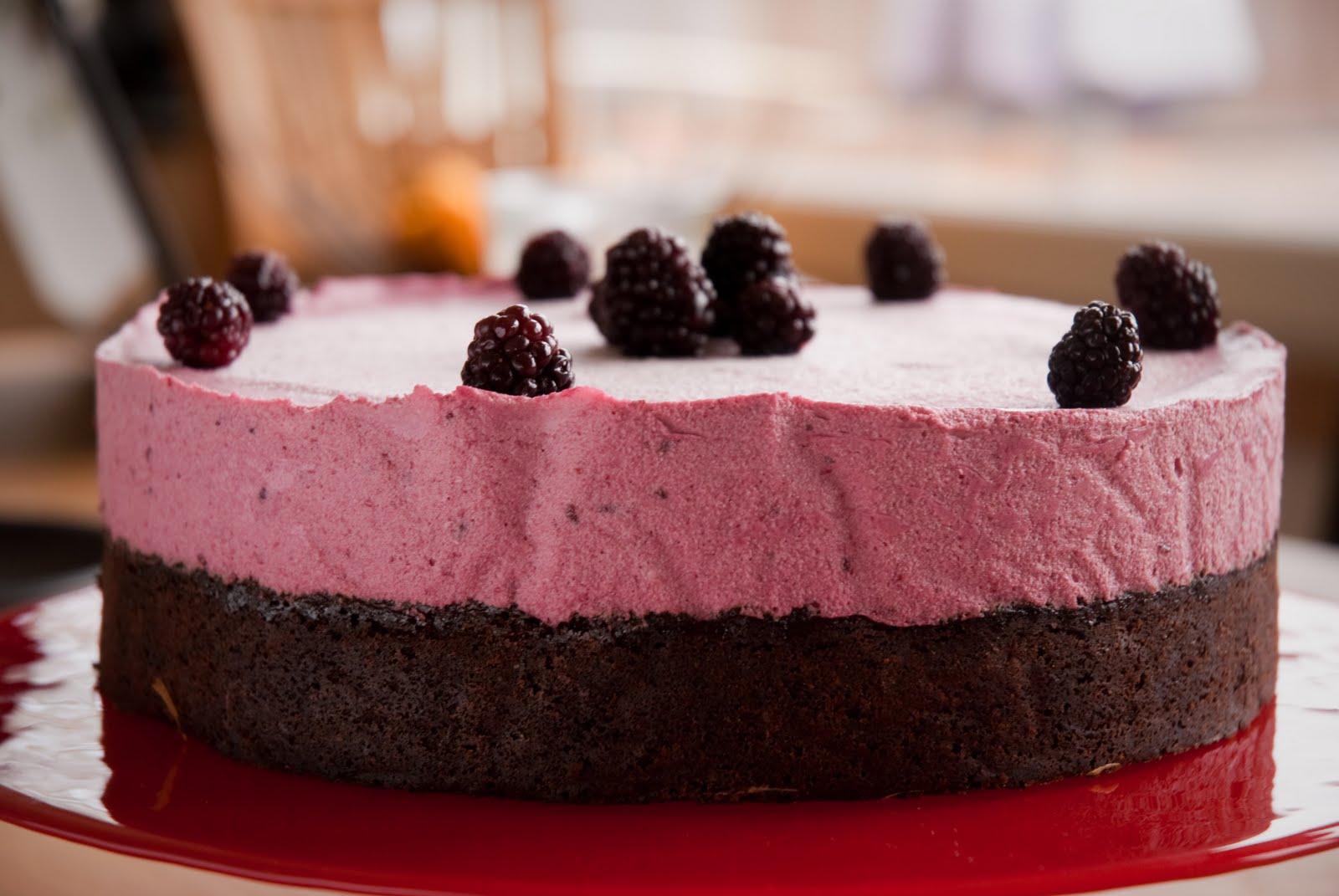 björnbärsmousse till tårta