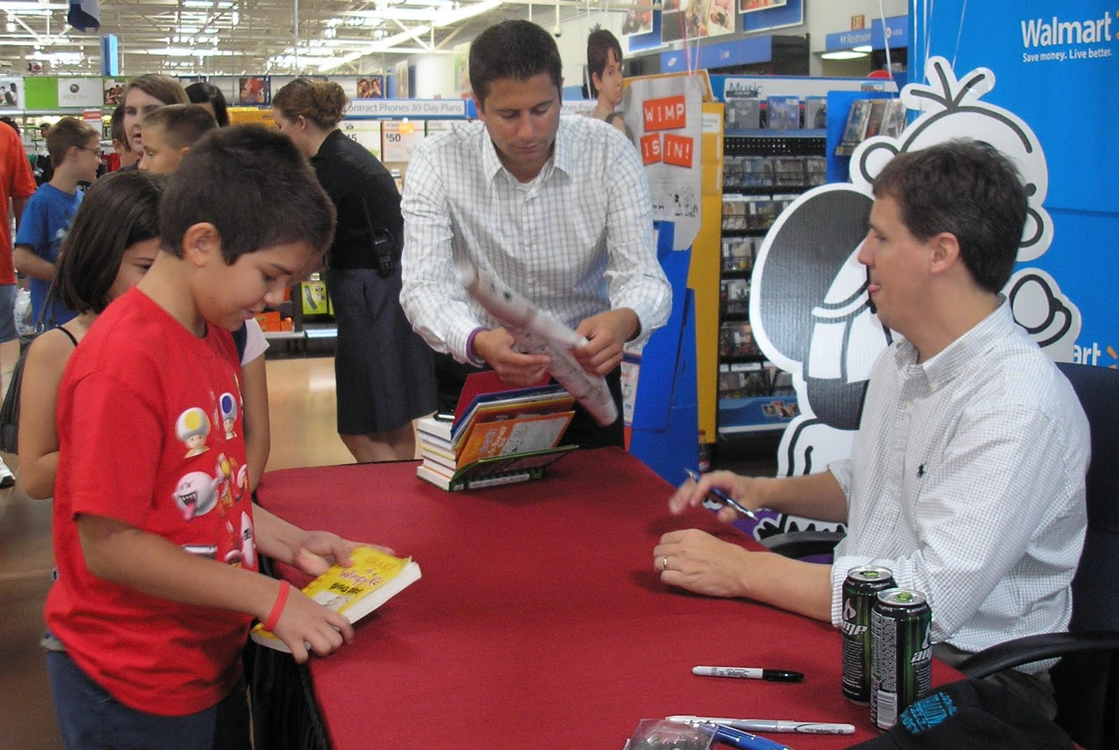 Mrs buntings class blog what a wimp jeff kinney author of the diary of a wimpy kid books and creator of poptropica held a book signing at walmart in rogers solutioingenieria Image collections