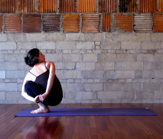 leongal's yoga space: Noose Pose - Pasasana @ Twisting Bound Squat