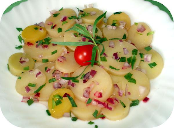 7. Salade parmentier - SALLATË ME PATATE