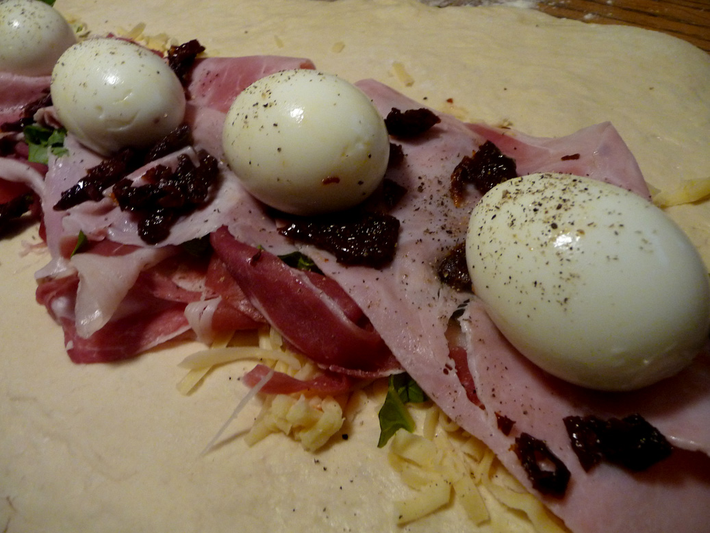 brains for brunch: Prosciutto, Basil, Sun Dried Tomato and Egg Stuffed ...