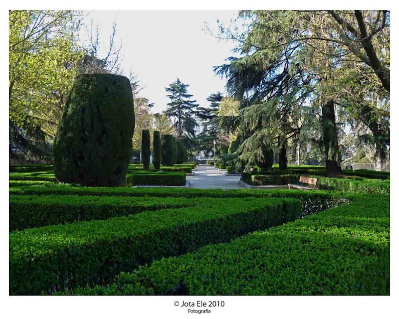 De madrid al cielo jardines de sabatini i for Jardines sabatini