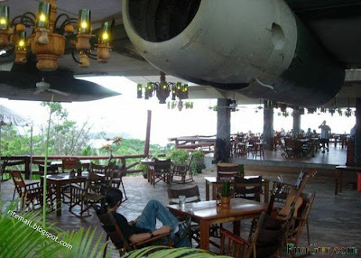 plane restaurant 7 Restaurant in Plane