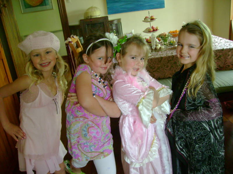 Fancy Nancy Party - Dressing up for Tea