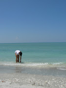 Man fick tillbringa största delen av tiden i vattnet för annars blev det för . (florida beach trip may )
