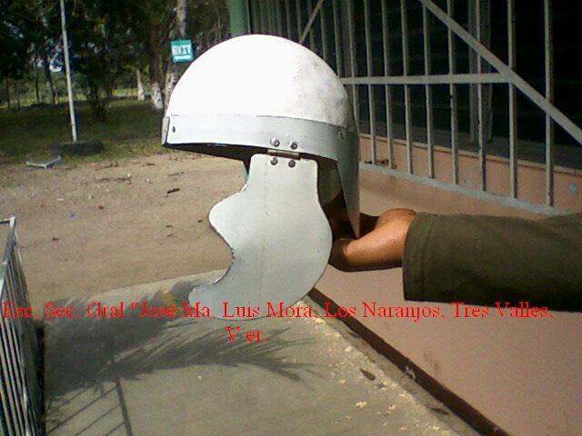 Cómo se hace un casco romano (el original).