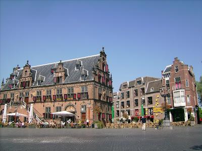 nijmegen centrum, beautiful old nijmegen building, old dutch building, old nijmegen building, nijmegen