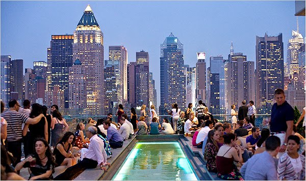 sono postmoderno roof top bar ink48 hotel new york. Black Bedroom Furniture Sets. Home Design Ideas