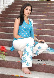 Cute Parvati Melton photo