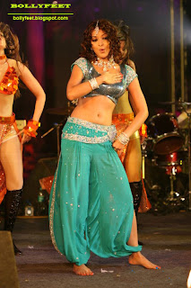 Tanushree Dutta Barefeet at a Dance event photo