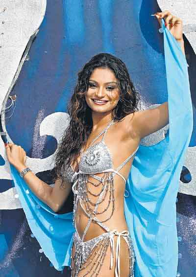Dimpy Ganguly aka Mrs Rahul Mahajan in bikini :  rahul photos bollywood entertainment