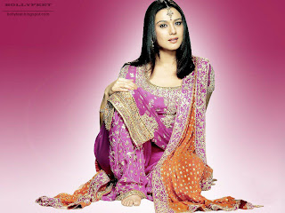 Preity Zinta Cute Wallpapers