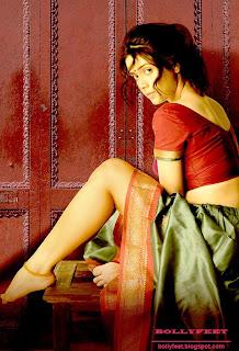 Nargis Bagheri Devdasi pose