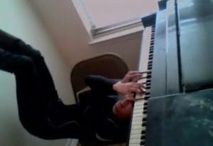 Seni Bermain Piano