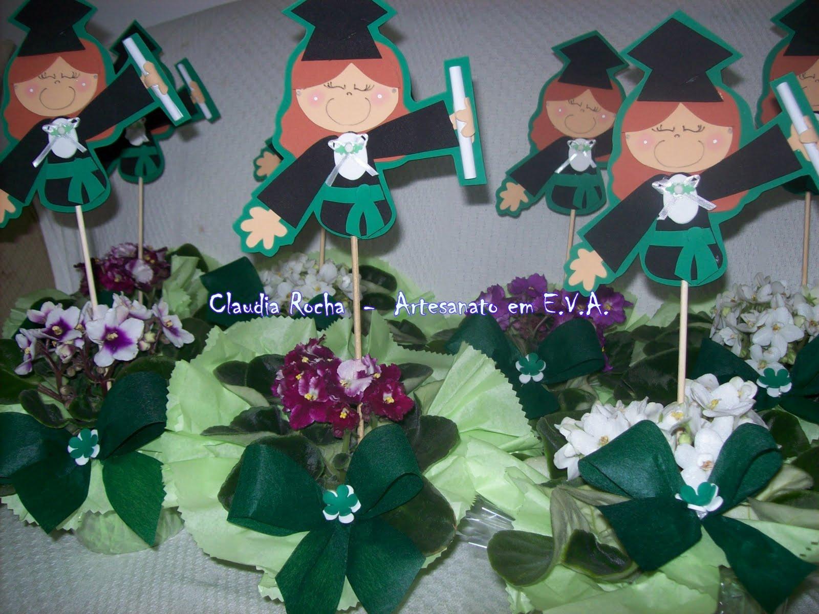 Muitas vezes Claudia Rocha - E.V.A.: Enfeites de mesa para formatura LZ21