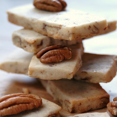 JULES FOOD...: MAPLE PECAN SHORTBREAD BARS