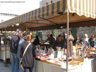 Barcelona la rosa de fuego el mercat g tic antig edades - Mercado antiguedades barcelona ...