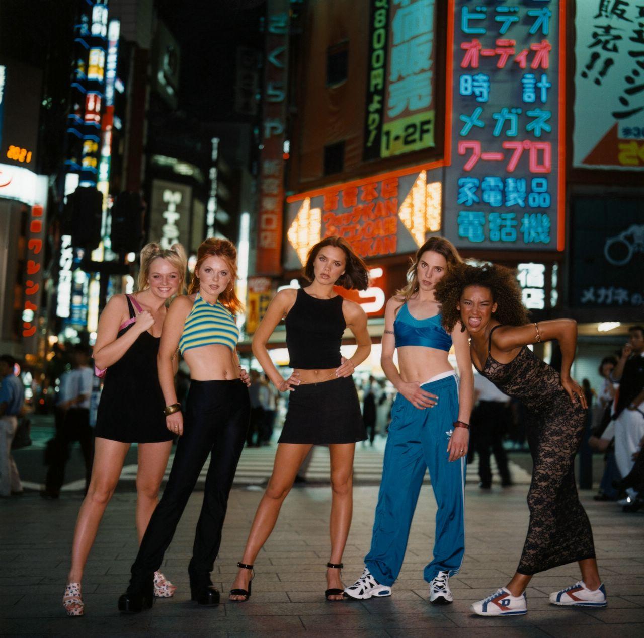 http://4.bp.blogspot.com/_FEkxtl1-FKs/THKIh9gYXZI/AAAAAAAAACg/XaX6Ipsle8Y/s1600/Spice+Girls+in+Toyko,+1996.jpg